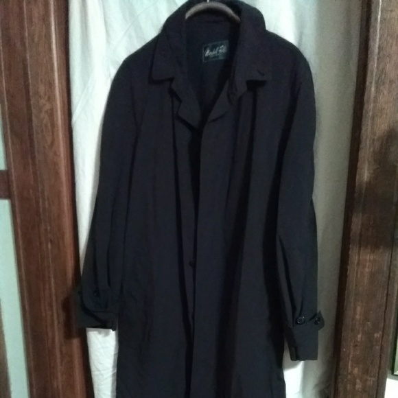 Marshall Fields Other - Mens Marshall Fields Trench Coat w/belt